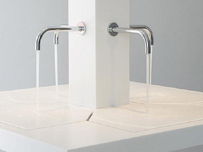 Bodenebene Dusche: Ästhetisch, barrierefrei, altersgerecht, pflegeleicht, Größe und Form nach Wusch möglich, keine Höhenunterschiede, keine Trittdämpfung
